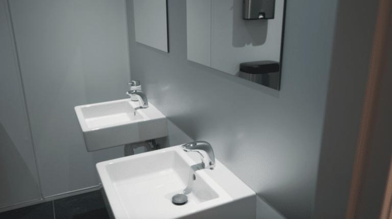 Toilettet står klar, når Nortec venter gæster.